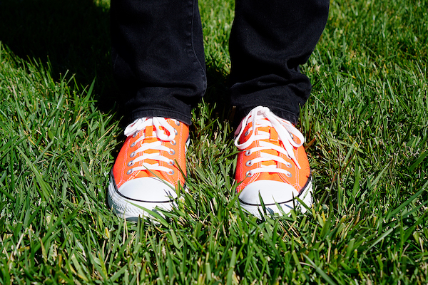 hober's bright orange shoes